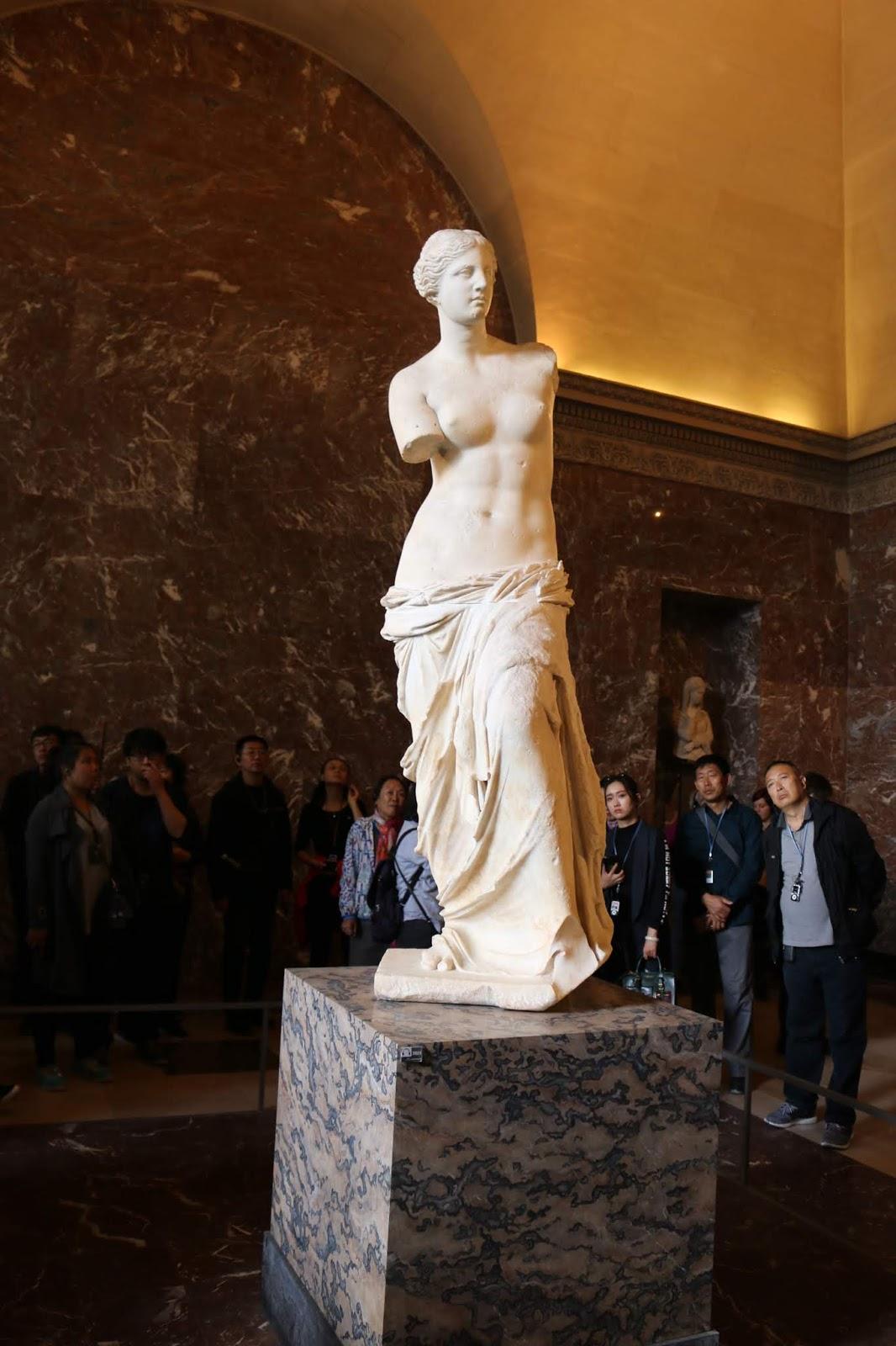Paris Venus de Milo Louvre Museum