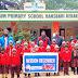 मिशन दिसम्बर में समाजसेवी ने स्कूली बच्चों को दिये टोपी
