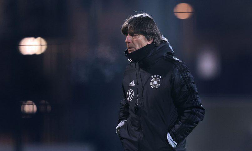 Löw durante treino da Seleção para partida contra a Tchéquia (AFP)