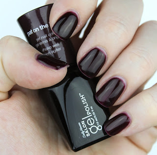 Sally Hansen Salon Gel Polish in Pat on the Black review swatch swatches