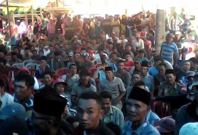 3.000-an Massa Hadiri Pelantikan Tim Sukses H Amran di Kecamatan Penrang