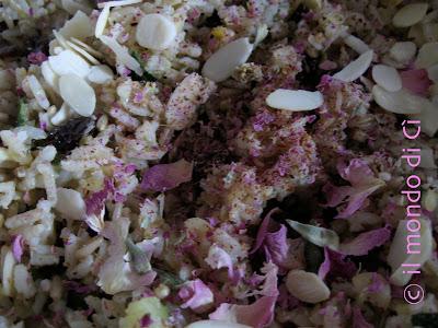 Insieme fiorito di cereali e legumi