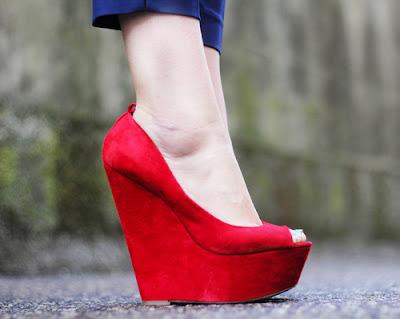 Zapatos rojos modernos
