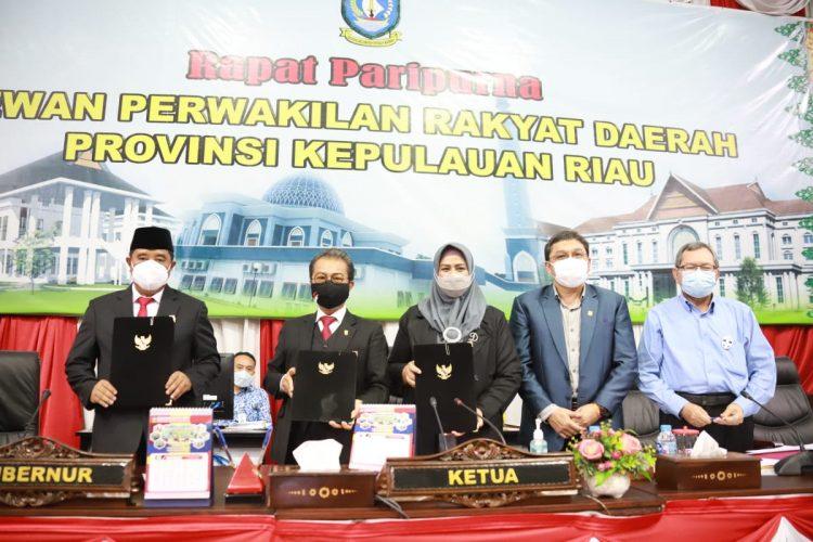 APBD Provinsi Kepri TA 2021 Disahkan Sebesar Rp 3,986 Triliun,-