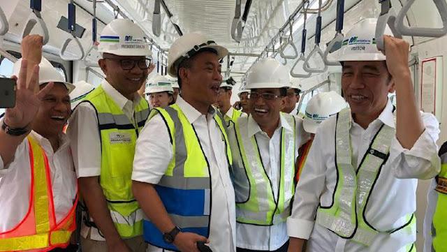 Jokowi: Naik MRT Jakarta Cuma Dikenakan Biaya Rp8000-Rp9000