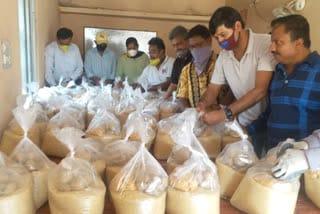 relief-distribution-jamshedpur
