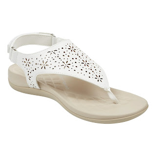 https://easyspirit.com/collections/weekend-sale/products/aries-flat-sandals-in-white