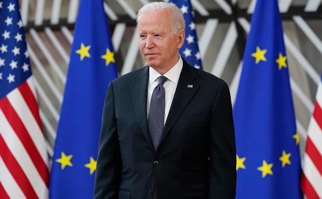 Στην πόλη Ουρόσεβατς του Κοσόβου, κοντά στην αμερικανική στρατιωτική βάση «Bondsteel», άρχισαν οι εργασίες διαμόρφωσης του χώρου όπου θα ανεγερθεί το άγαλμα του προέδρου των ΗΠΑ Τζο Μπάιντεν. Το άγαλμα αυτό, που θα κοστίσει 600.000 ευρώ, είναι προσφορά των κατοίκων του Ουρόσεβατς σε ένδειξη ευγνωμοσύνης για την υποστήριξη των ΗΠΑ στην εδραίωση της ειρήνης και της ανεξαρτησίας του Κοσόβου, αναφέρεται στην επίσημη ανακοίνωση του Δήμου της πόλης, αναφέρει το ΑΠΕ.  Οι Αλβανοί του Κοσόβου θεωρούν τις ΗΠΑ τη μεγαλύτερη φίλη χώρα και τους Αμερικανούς πολιτικούς ηγέτες, εγγυητές και φύλακες της ανεξαρτησίας. Για τον λόγο αυτό σε διάφορες πόλεις έχουν στηθεί αγάλματα Αμερικανών πολιτικών που διαδραμάτισαν καταλυτικό ρόλο για την ανεξαρτητοποίηση του Κοσόβου ενώ πλατείες και οδοί φέρουν τα ονόματα τους. Στο κέντρο της Πρίστινας από το 2009 δεσπόζει το επιβλητικό άγαλμα του πρώην προέδρου των ΗΠΑ Μπιλ Κλίντον , ύψους έξι μέτρων, ενώ κεντρική λεωφόρος της πρωτεύουσας του Κοσόβου φέρει το όνομα του.  Δέκα χρόνια αργότερα, το 2019, με αφορμή την επέτειο της 20ετίας από την είσοδο των νατοϊκών δυνάμεων στο Κόσοβο, έγιναν στην Πρίστινα και τα αποκαλυπτήρια προτομής της Μάντλιν Ολμπράιτ, η οποία ως ΥΠΕΞ των ΗΠΑ το 1999 πρωταγωνίστησε στην εκστρατεία για τον βομβαρδισμό της Γιουγκοσλαβίας και προώθησε την ανεξαρτητοποίηση του Κοσόβου. Επίσης, μία λεωφόρος στην Πρίστινα φέρει το όνομα του πρώην Αμερικανού προέδρου Τζόρτζ Μπους και μία οδός το όνομα του στρατιωτικού διοικητή του ΝΑΤΟ το 1999, στρατηγού Γουέσλι Κλαρκ.
