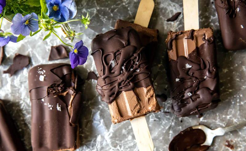 Homemade Creamy Chocolate Fudge Pops