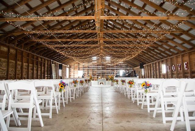 Barn wedding venues illinois wedding venues blog barn wedding venues illinois heritage prairie farms junglespirit Gallery