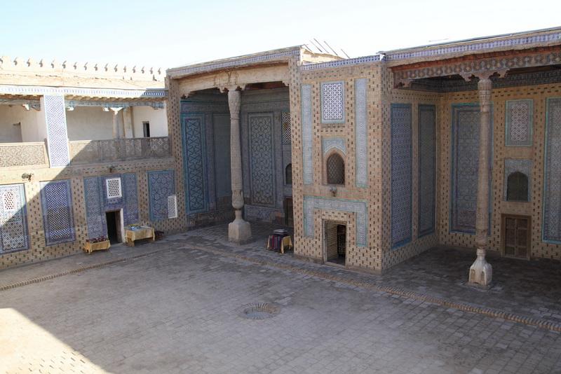 Tash Khaouli Palace