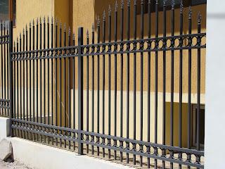 Бетонна ограда, кофраж на ограда, основи на ограда, зидане на ограда. Искате ограда от бетон обадете се-работим на разумни цени за град Варна