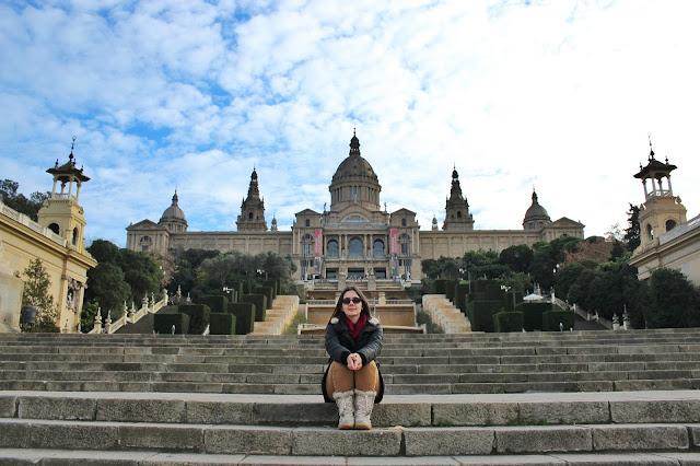 Museu Nacional de Arte Catalunha ao fundo. As cascatas estavam em reforma!