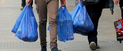 Chile dice adiós a las bolsas plásticas: ningún comercio puede ya entregarlas