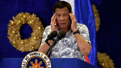 Susceptible to contracting Corona, President Duterte is forbidden to shake hands