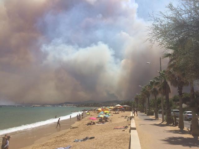 Côte d'Azur Le Lavandou Plage Paddle Yoga vacances Summer incendie