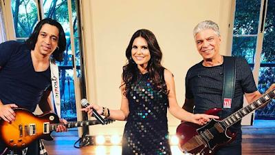 """Aline Barros lança live session da canção """"Corre"""""""