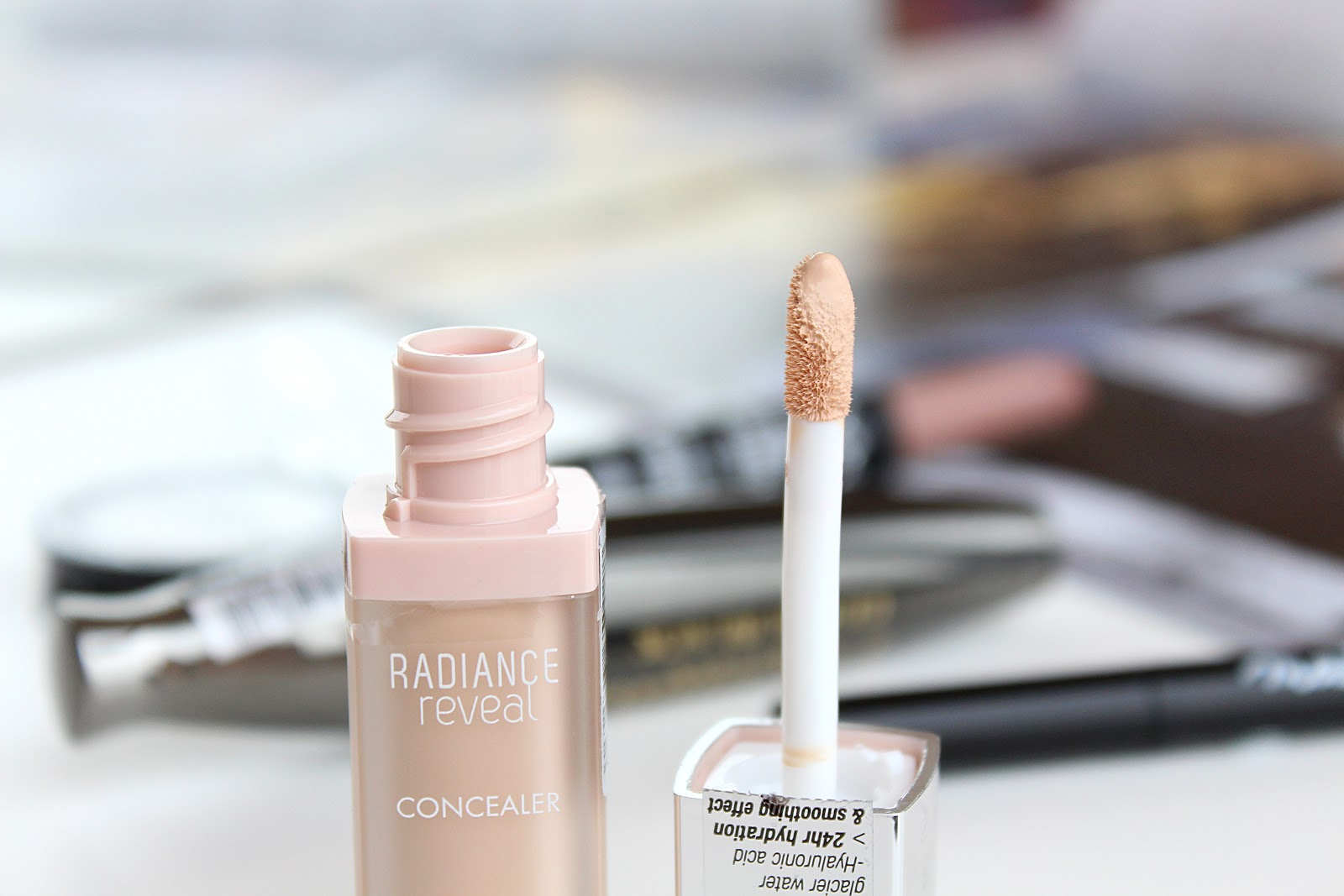 Bourjois Radiance Reveal Concealer in Ivory Swatches