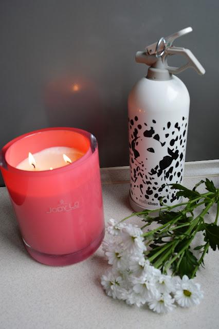 ogniochron, gaśnica, bezpieczeństwo, gaśnica domowa, bezpieczeństwo przy paleniu świec i wosków