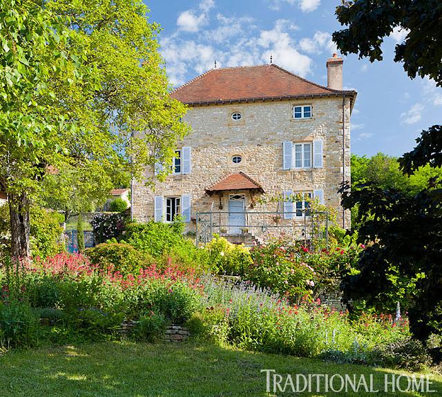 Dep sito santa mariah casa francesa com jardim ingl s for Www traditionalhome com