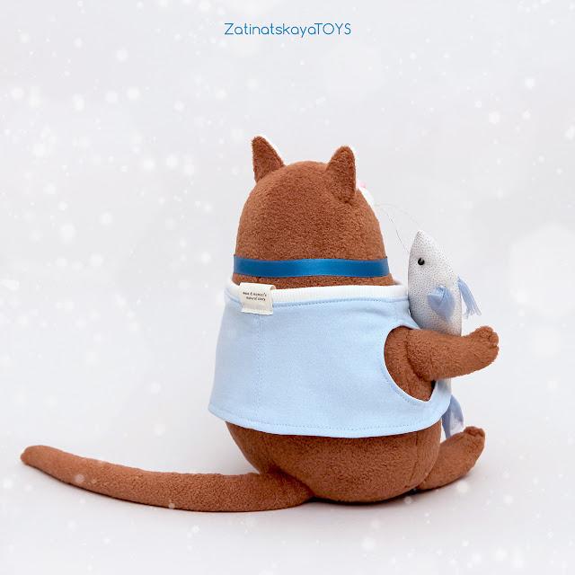 Мягкая игрушка кот, которого я сшила своими руками из ткани по своей выкройке в натуральную величину и пошаговому мастер классу
