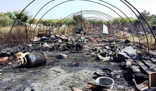 Τραυματίας πυροσβέστης σε πυρκαγιά που ξέσπασε σε παραπήγματα που διέμεναν αλλοδαποί