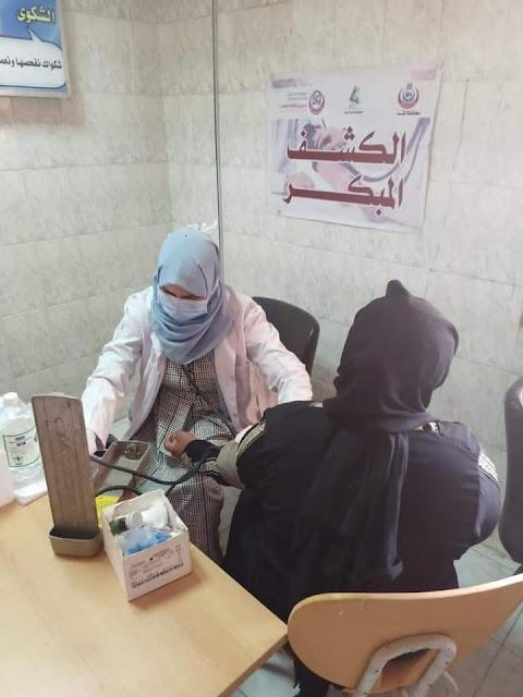 الكشف على 1036 مواطن فى قافلة طبية مجانية بقريتىّ أبو حزام وحمرا دوم