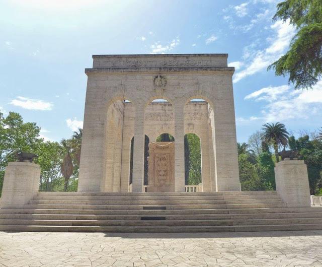 Mausoleo gianicolense en el Gianicolo en Roma