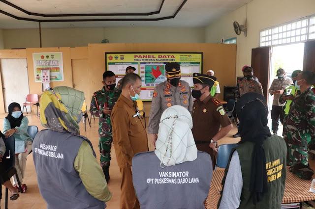Kapolres Lingga Meninjau Kegiatan Vaksinasi di Kecamatan Singkep
