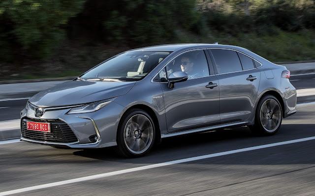 Toyota revela imagem do interior do novo Corolla brasileiro