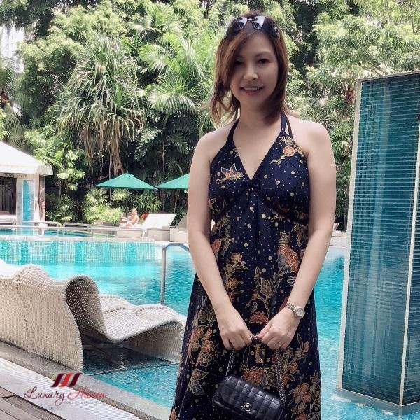 singapore fashion blogger bali batik dress chanel bag