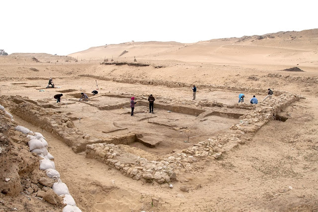 Two 4,500-year-old houses found near Giza Pyramids