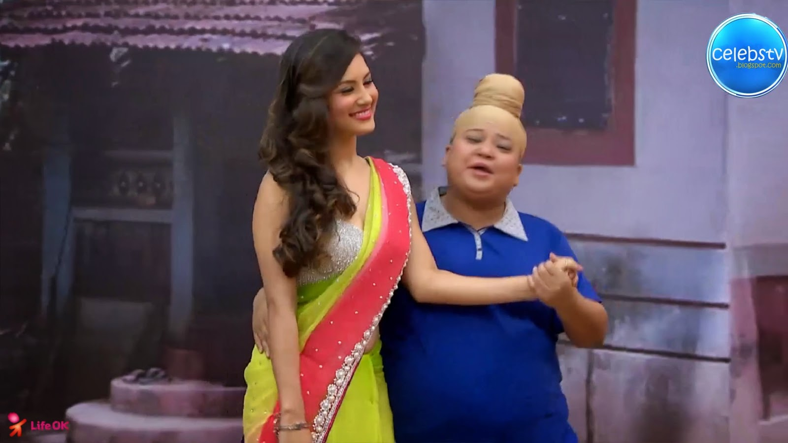 Pooja Bose Very Hot Sexy Bouncing Boobs, Navel Show -2351