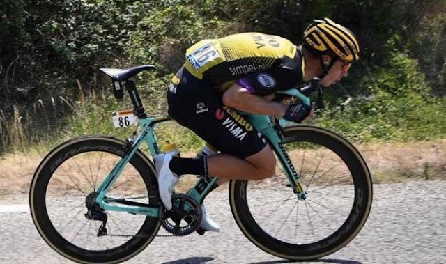 CICLISMO:  Tres ciclistas fueron expulsado de carrera en Tour de Francia por altercados.