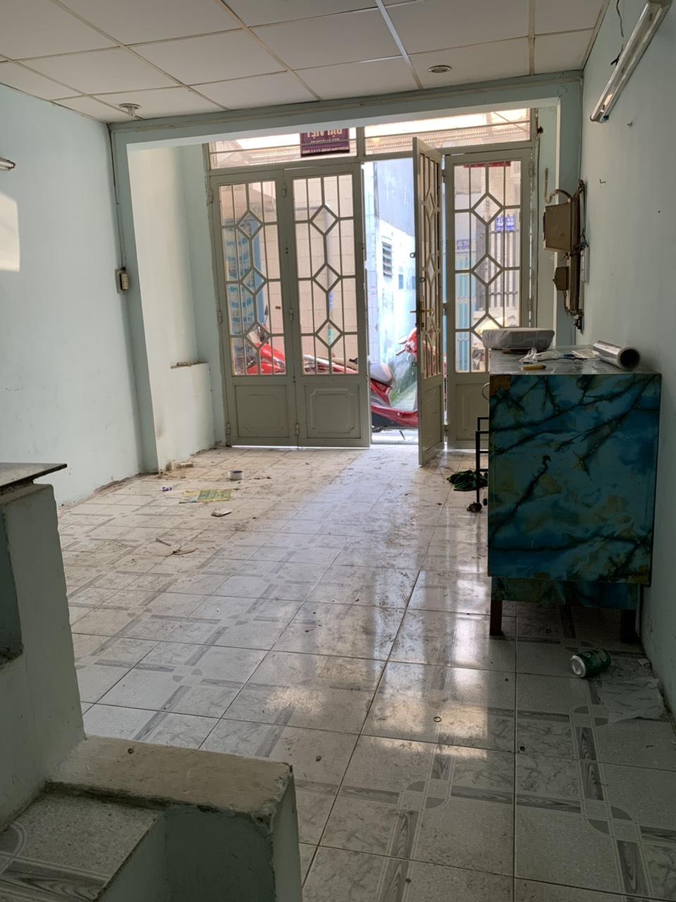 Bán nhà Hẻm 451 Phạm Thế Hiển phường 3 Quận 8. DT 3,1x9m (nở hậu)