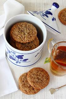 Witte chocolade koekjes met frambozenjam