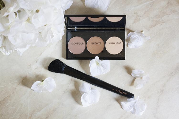 """Review produse make-up Cupio Trusa pentru conturare """"Keep calm and contour on"""" Pensula pentru blush 5A"""