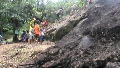Wisata Alam Watu Lawang Tanjung Jepara