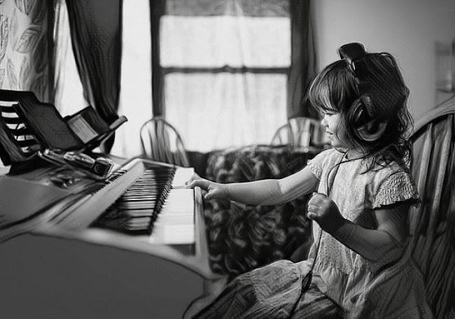 Para tener hijos más inteligentes: menos tecnología y más música