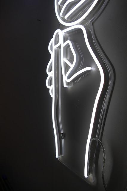 Best Neon Lights To Get For Your Home, neon vibes uk, neon vibes reviews, neon vibes uk reviews, neon vibes sign, neon vibes discount, custom neon light brand, best neon light uk