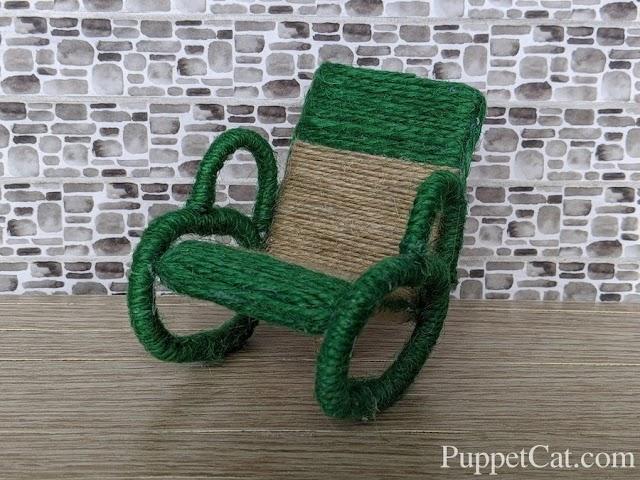 Садовое кресло-качалка для кукол