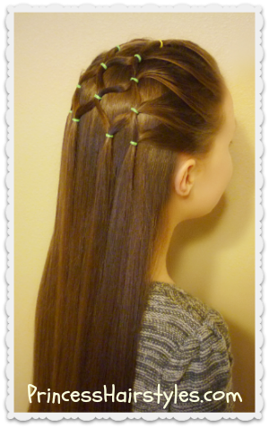 Christmas Hairstyles For Girls.Elastic Christmas Tree Hairstyle Hairstyles For Girls