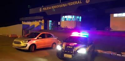 PRF recupera carro roubado em Barra do Turvo