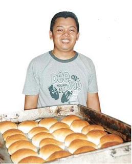 Kisah Mistar, Mantan TKI yang Sukses Jualan Roti