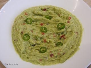 Salata de avocado cu ceapa usturoi ardei iute rosii cherry sare reteta de casa retete de post salate mancare gustare pasta vegan mexic,