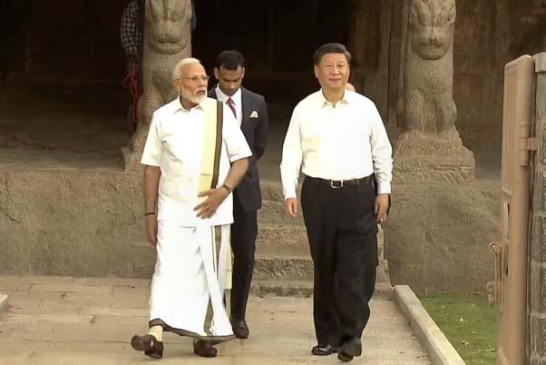 पीएम मोदी ने निभाई पर्यटक गाइड की भूमिका, जिनपिंग को महाबलीपुरम की कराई सैर