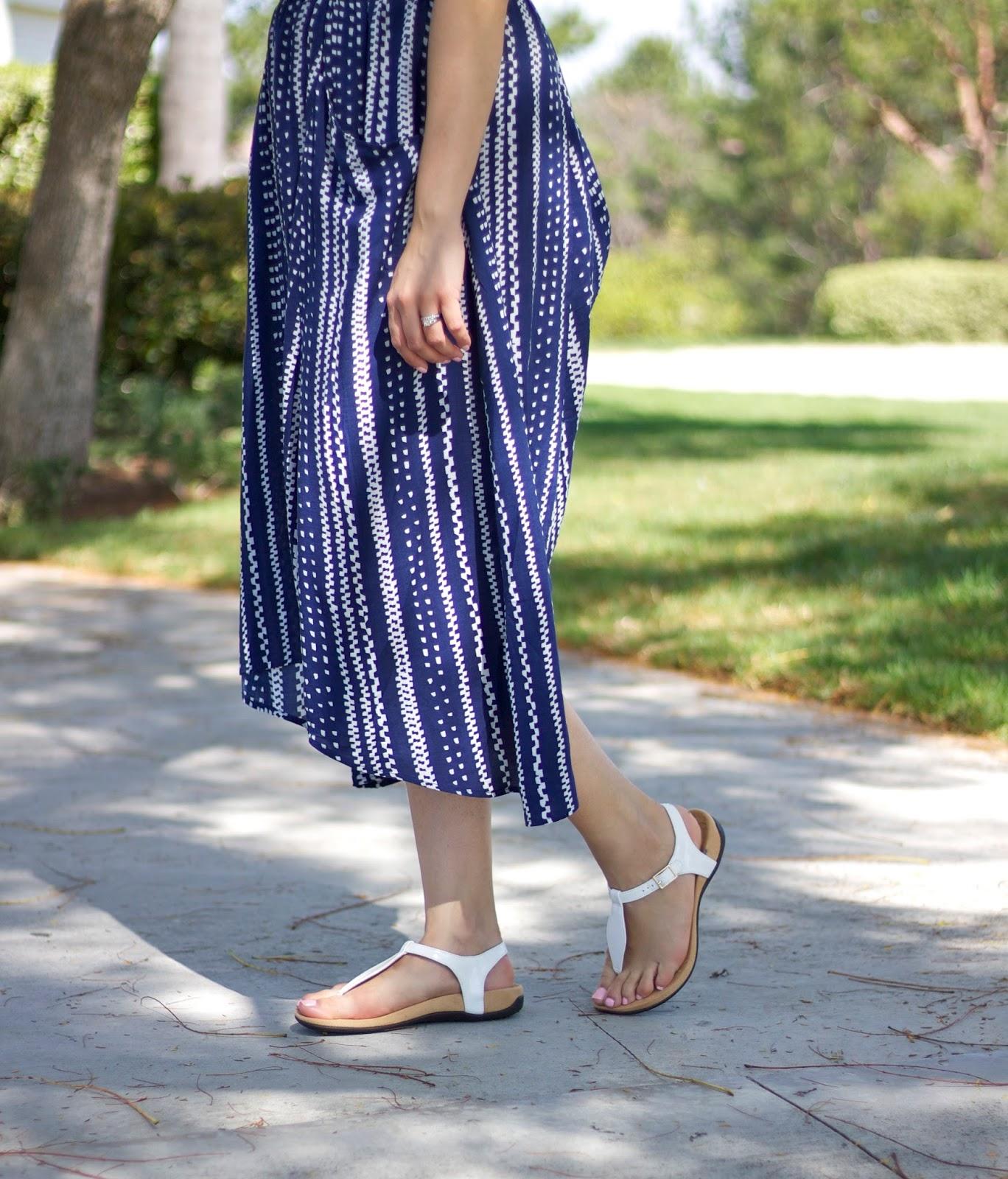 Vionic t strap sandal, vionic shoes, vionic sandals, plain white sandal, white sandals outfit
