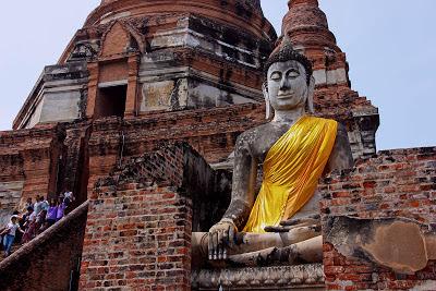 Entrée du temple Wat Yai Chaya Mongkol à Ayutthaya