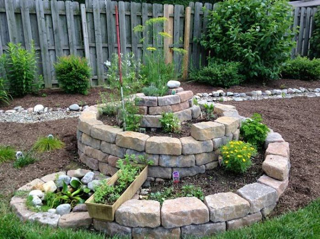 How to Build a Spiral Herb Garden