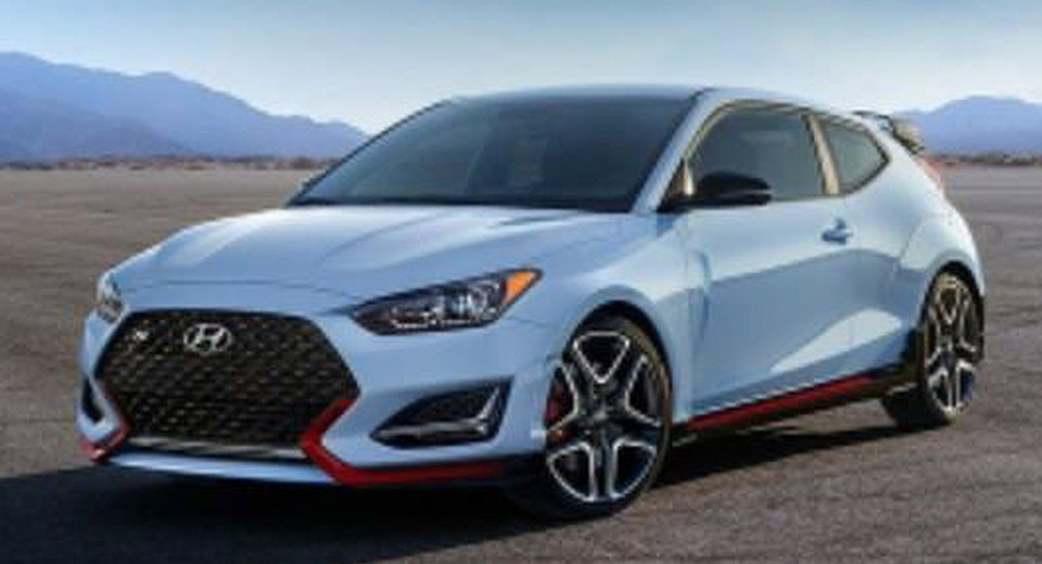 Sporty 2019 Hyundai Veloster Stays Quirky